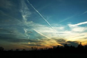Sky Trails by ashlite