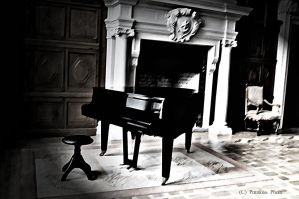 The piano by blackAkane