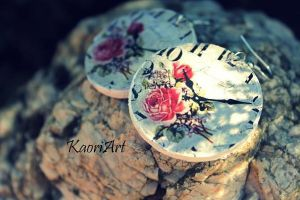 clock with roses by KaoriArt