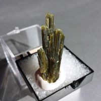 Clinozoisite - Murrieta, Riverside, CA by BlueLiquorice
