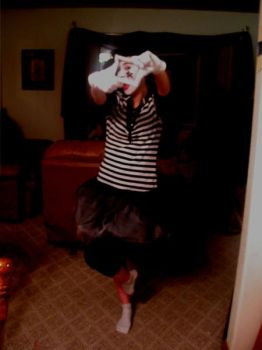 Mimi the Mime. by Stacay
