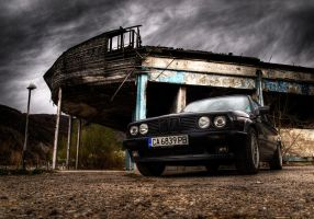 BMW E30 HDR by psycho-infinity