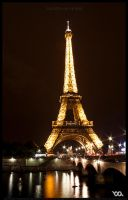 Tour Eiffel on The Seine by chem-graph