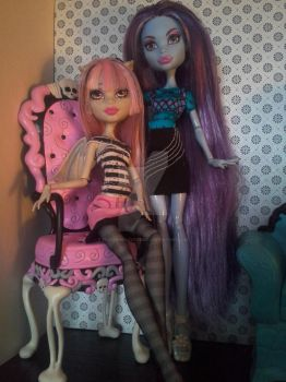 My lovely ladies by PoisonGirlCustoms