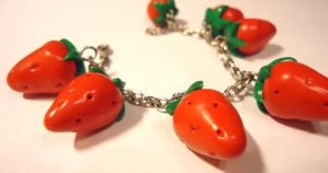 Strawberry bracelet by FrozenNote
