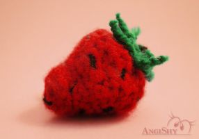 Knitted strawberry by Angi-Shy