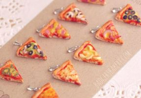 Pizza Pendants by BadgersBakery