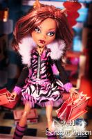 Clawdeen Goes Shopping II by KittRen