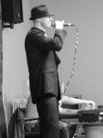 Dan Droid (UnknownSinger) by PhotographicJaydiee
