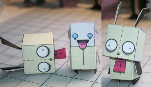 Gir Papercraft by Whuzzit