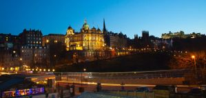 Edinburgh at night by whitedeath1984