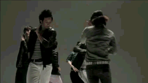 Donghae Dancing by DesenA