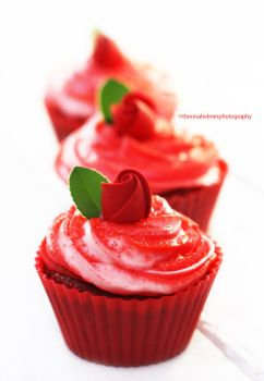 Red Velvet Cupcakes - My Version by theresahelmer
