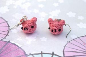 Kawaii Miniature Amigurumi Pink Pig Earrings by SkySinger92