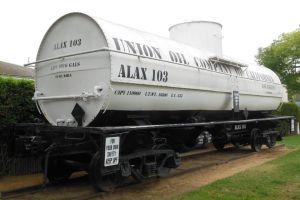 Union Oil Co. of Calif. 9916-Gal. Tanker ALAX-103 by rlkitterman