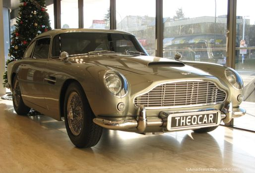 DB5 Q by S-Amadeaus