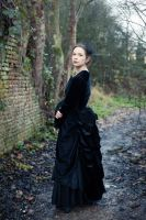 Victorian polonaise, back by sombrefeline