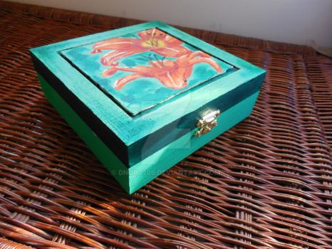 Tiger Lily Jewelry Box by dnort709