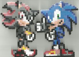 Sonic and Shadow by Ravenfox-Beadsprites