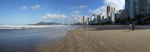Camboriu praia central by Gabrielb1984