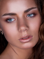 Naturalistic Retouch by PorterRetouching