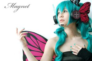 Hatsune Miku - MAGNET by Onnies