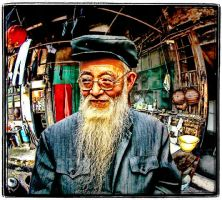 Beardman in China by kimjew