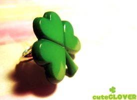 cuteClover Ring by Poiizu