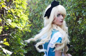 Lost in the Maze ~ Alice in Wonderland ~ by SaicaChii