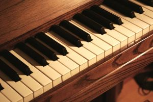 Piano by MLStock