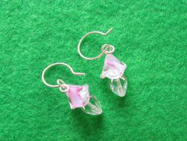 Dewdrops and Blooms earrings by WireMySoul