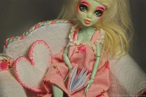 Cecilia (Monster High Frankie Stein repaint) by theugliestwife