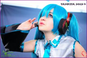 hatsune miku cosplay by sanchanclau