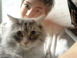 Helle! Im the cat-eyed Dongwoo by JangDongWoo