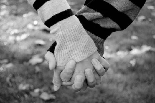 Holding hands by homarte