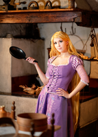 Disney Tangled - Rapunzel by KiaraBerry