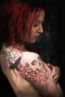 Shoulder skull, pro-photo by Meatshop-Tattoo