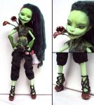 Modern Earth-Warrior - Venus McFlytrap custom by fuchskauz