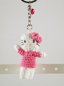 Hello kitty keychain crochet by pink-butterfly-crack