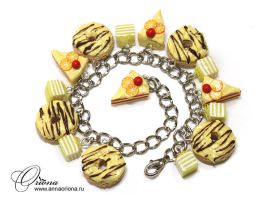 Bracelet with donuts by OrionaJewelry