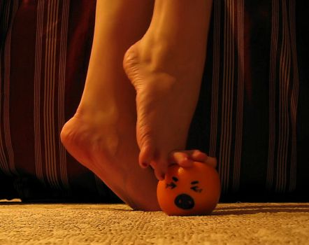 I'll Get You Annoying Orange 9 by Pies-Toes-N-Soles