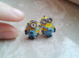 Minion earrings - Despicable me by nunyArt