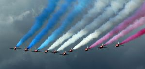 Red Arrows by DarkAssassin069