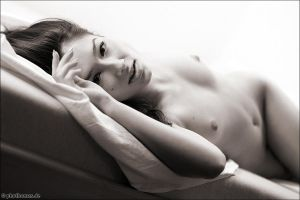 Viki in my bed 5 by phothomas