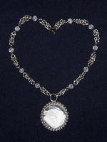 Crystal necklace by XofHope