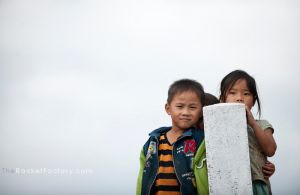 Children at the pole 01 by frankrizzo