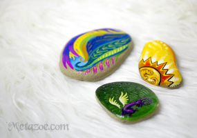 Painted pebbles by metazoe