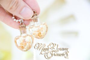 Gold Flake Heart Necklace by IvrinielsArtNCosplay