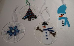 2009 fused glass ornaments by reflectionsshattered