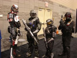 an ODST, 2 Spartans and an Umbrella soldier... by starkt2k